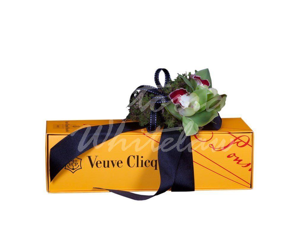 South Melbourne Florist Delivers Champagne